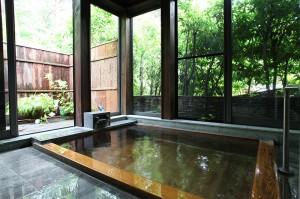 内湯・檜風呂